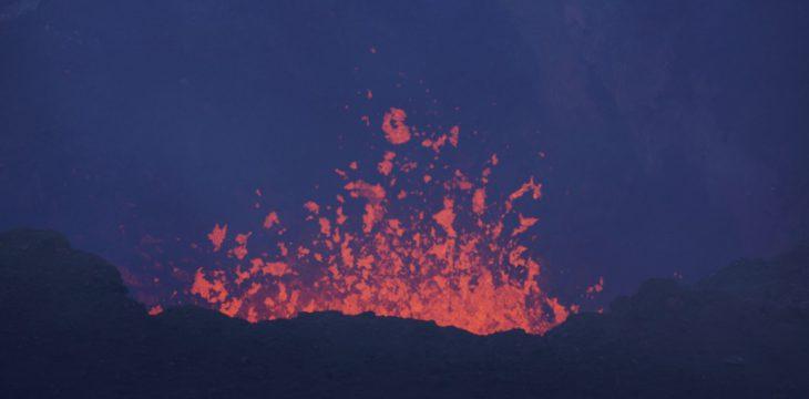 Stadt, See und Vulkan Villarrica…
